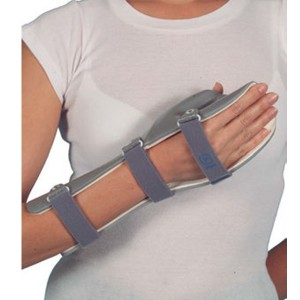Passive-Long-Orthosis-With-Thumb